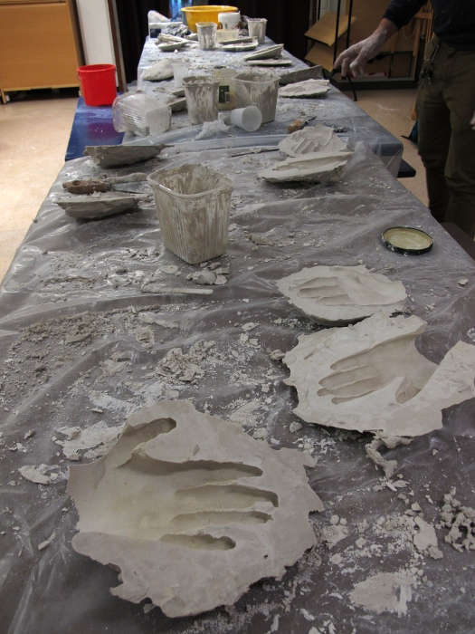 Plaster casting and papier-mache  workshop in RAUMAN FREINETKOULU